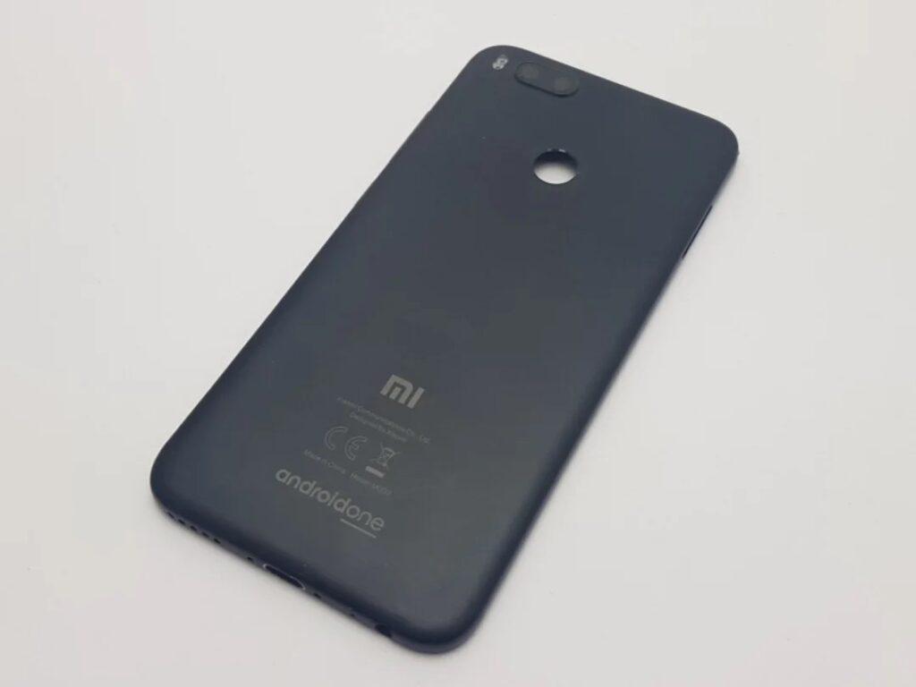 Замена задней крышки Xiaomi Mi A1 с кнопками и стеклом камеры